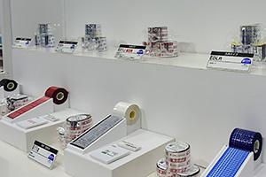 サプライ品展示の様子