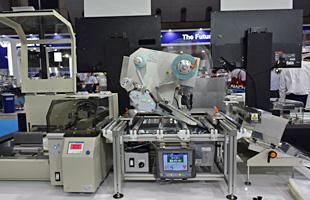 卓上空袋ラベリングマシン LMFe6000-FJ 機械写真
